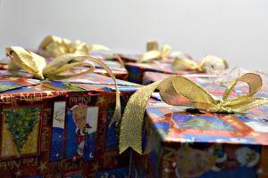 1114040_christmas_gifts